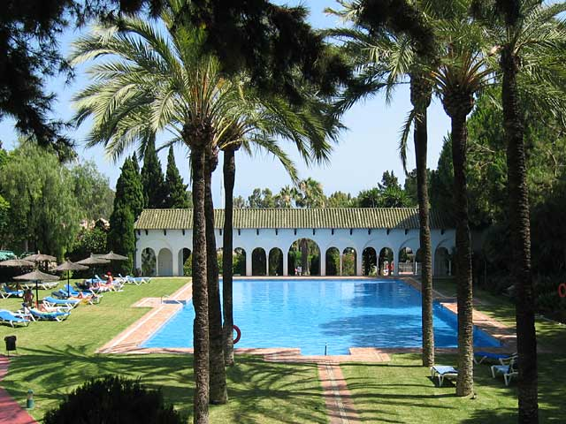 Beautiful 2 bed apartment with oversized terrace, located in exclusive & prestigious complex, Marbella.