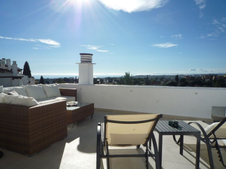 New Listing! Amazing penthouse with sea views...